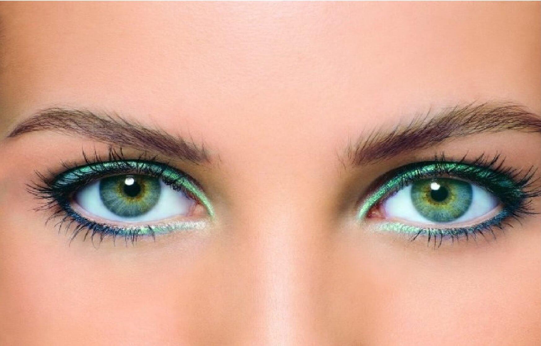 Макияж для голубых открытых глаз