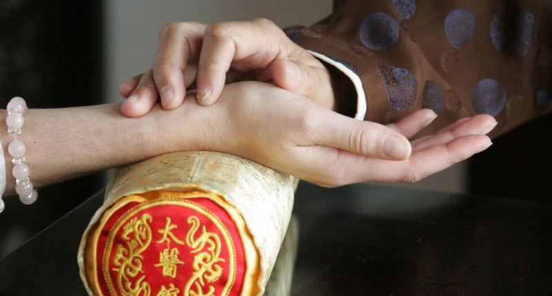 the use of western medicine and traditional chinese medicine in dealing with hypertension Traditional chinese medicine (tcm) has a unique perspective on high blood pressure in tcm, it is believed that the body desires balance a healthy body is our natural state and any illness or health issue is attributed to something in the body being out of balance.